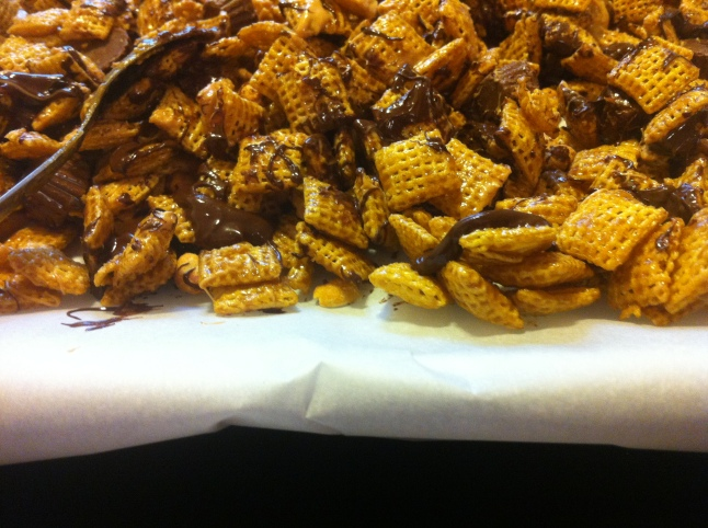 Recipe: Gluten-Free Chocolate Peanut Butter Crunch Mix